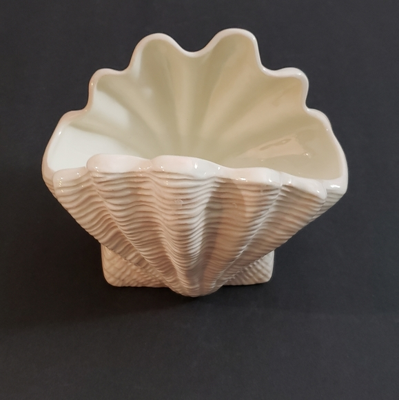 Clam Shell Ceramic Planter